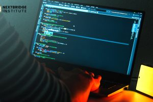 Let's learn the benefits of choosing a software engineering career.